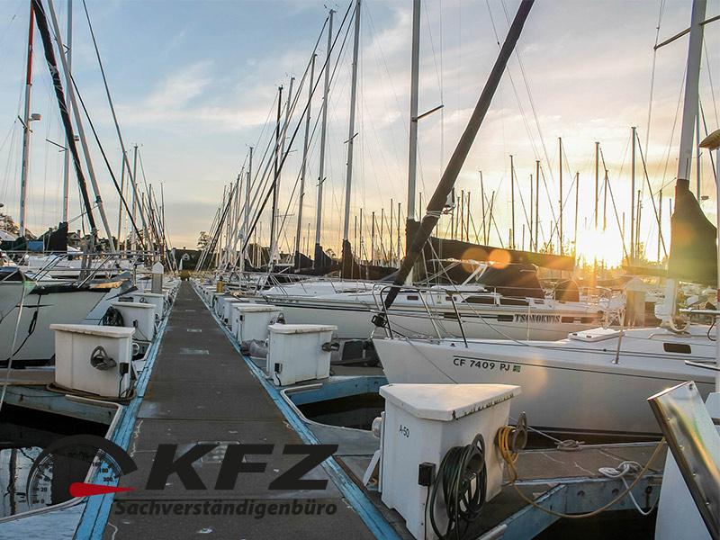 Haftung bei Unfällen auf der Yacht: KFZ-Sachverständiger hilft