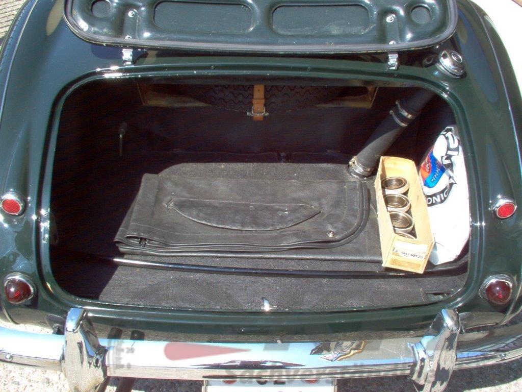 Gepäckraum Note 1: Einwandfreier Zustand